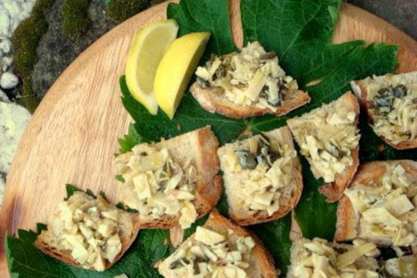 Crostini with Artichokes and Olives