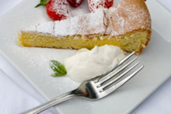 Olive Oil and Orange Essence Cake with Soft Cream