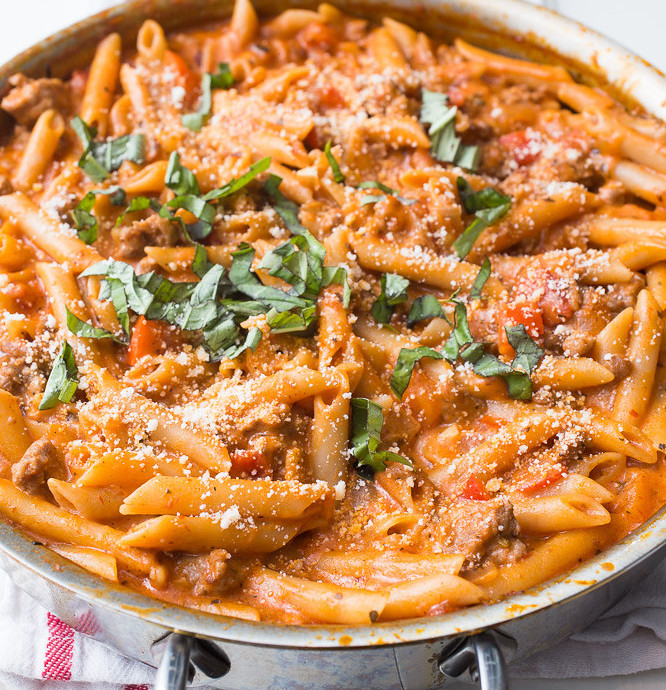 Penne with Sausage, Tomato and Cream